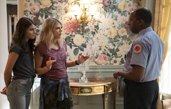 """""""Você nem é policial. Você tem um distintivo de pano."""" Frases Alba"""